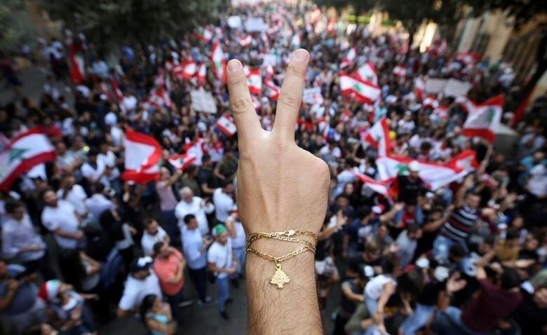 لبنانی ها از سیستم ناکارآمد کشورشان ناراضی هستند
