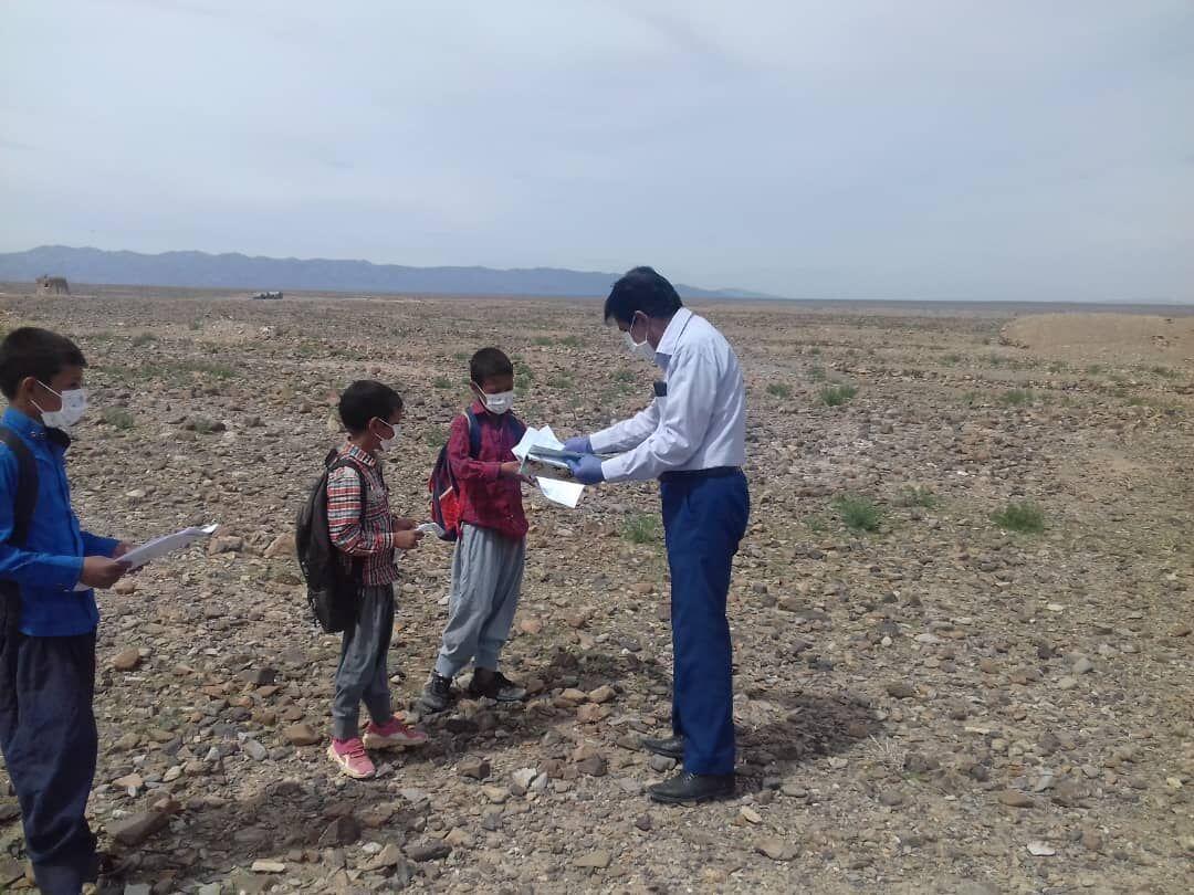 خبرنگاران توزیع 700میلیون ریال لوازم بهداشتی در مدارس عشایری کرمان