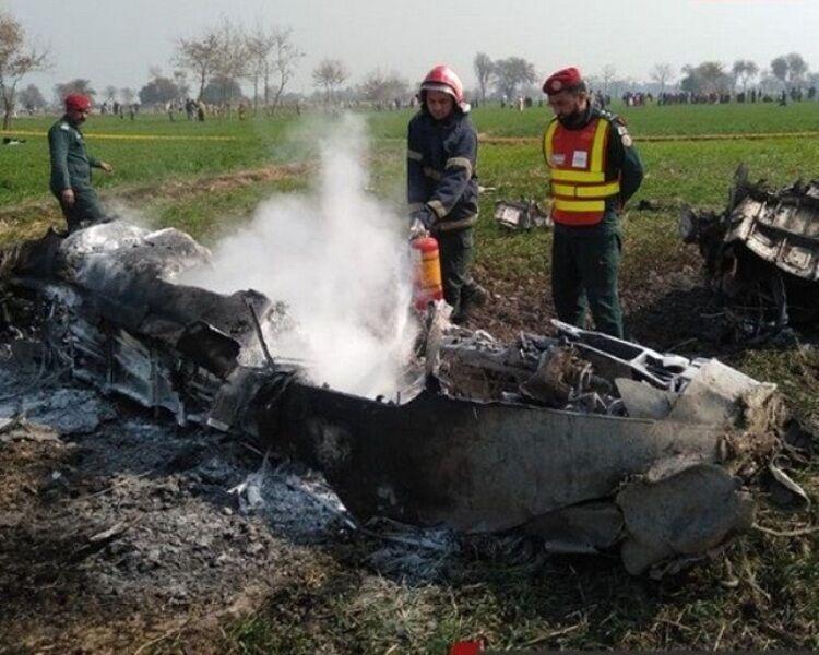 2 کشته در سقوط هواپیمای آموزشی پاکستان