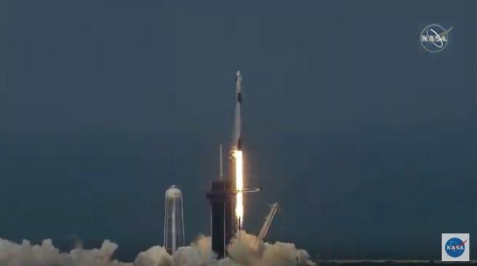 خبرنگاران فضاپیمای اسپیس ایکس انتها به فضا رفت