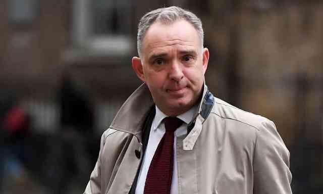 خبرنگاران اعلام کناره گیری مشاور امنیت ملی انگلیس