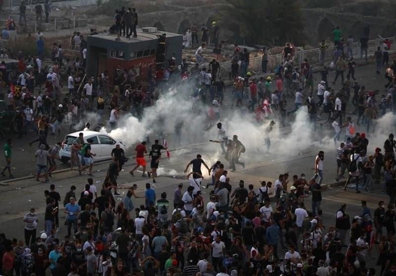 شب ناآرام بیروت، حمله مهاجمان به چندین وزارتخانه، درخواست ارتش برای حفظ آرامش