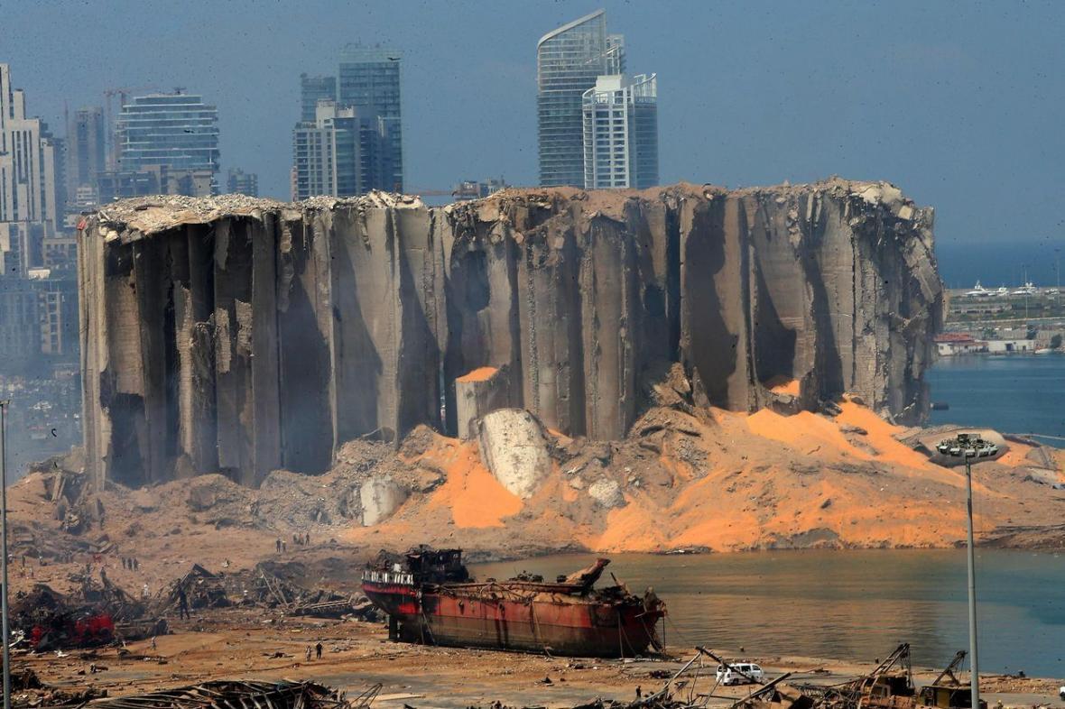 خبرنگاران سازمان ملل 50 هزار تن آرد گندم به لبنان می فرستد